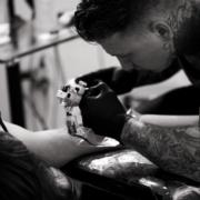 corsi professionale corso tatuaggio e piercing scuola gim international